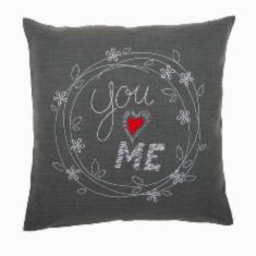 "PN-0156053 Vervaco Embroidery Cushion ""Red Heart"""